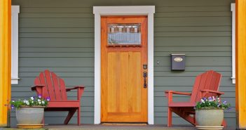Porte d'entrée en bois lauragais