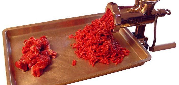 Hachoir viande, un accessoire essentiel en cuisine